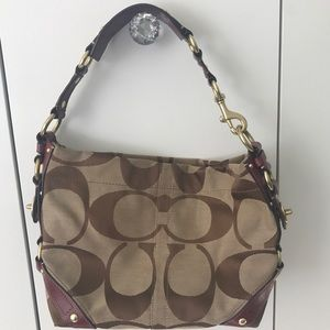 Coach Carly shoulder bag, mulberry signature